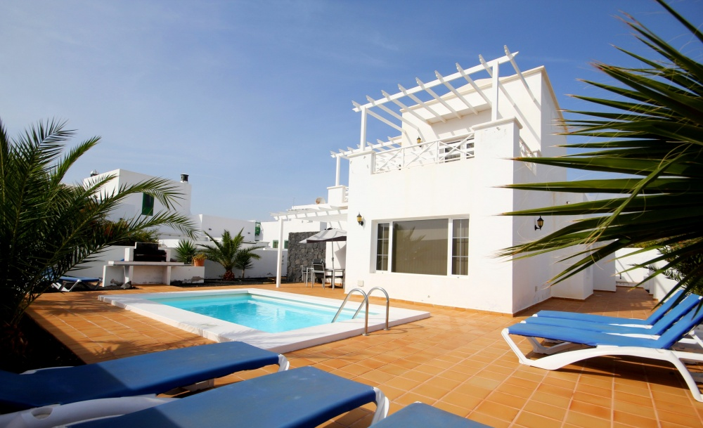 Beautiful Luxury 4 Bedroom Villa With Stunning Sea Views And Heated Swimming Pool For Sale In